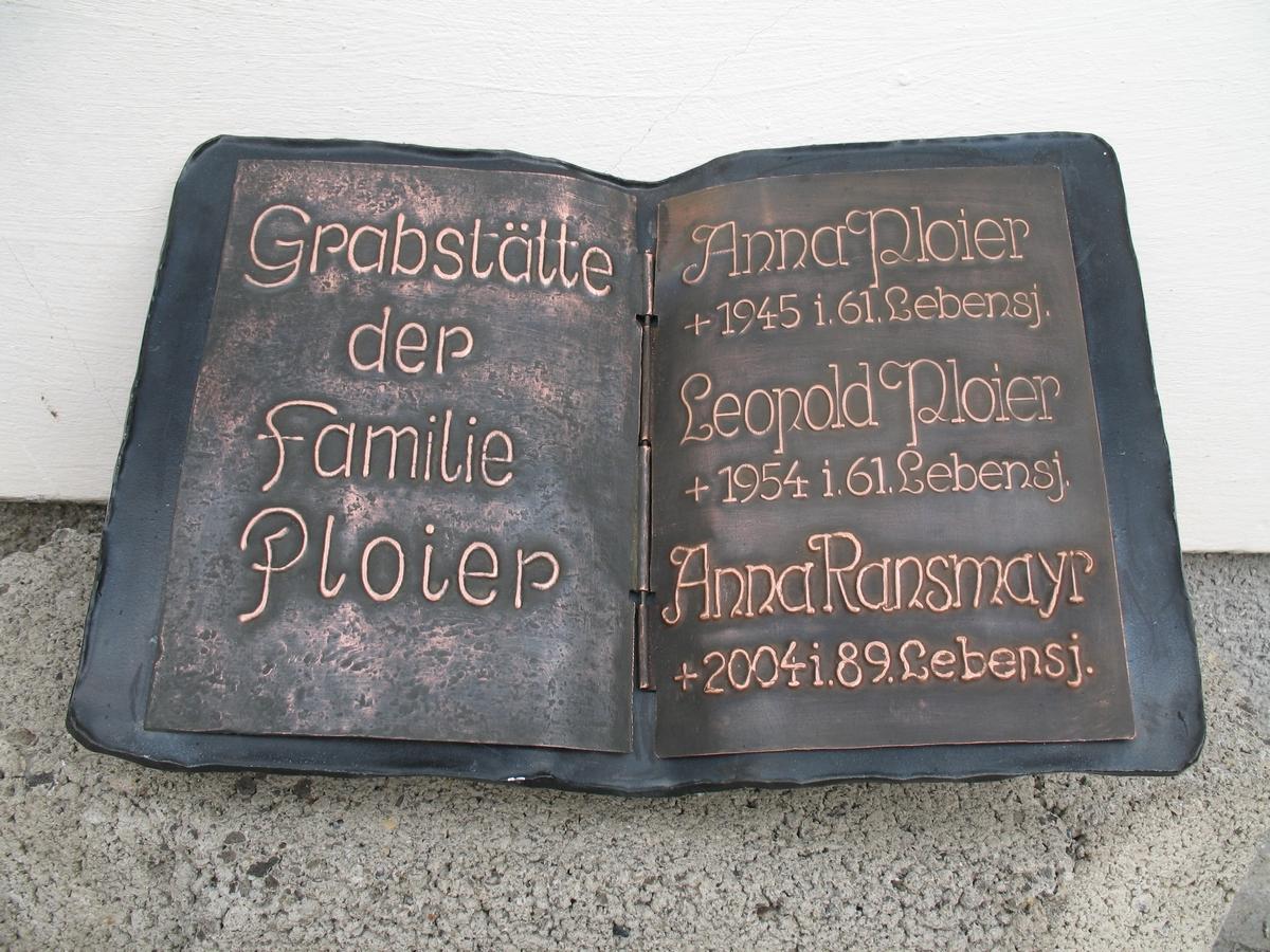Grabbuch mit Kupferschrift