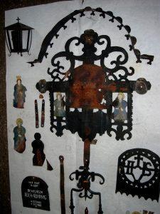 Kreuz wird zur Restaurierung zerlegt